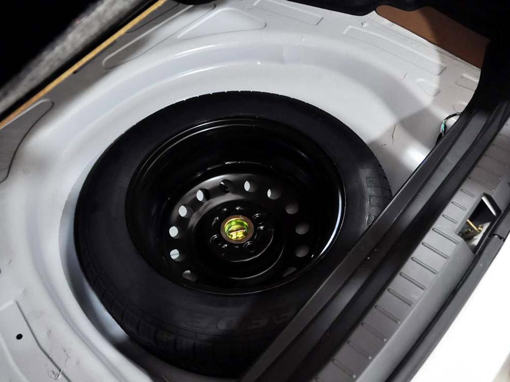 比亚迪f3比亚迪f3备用轮胎图片