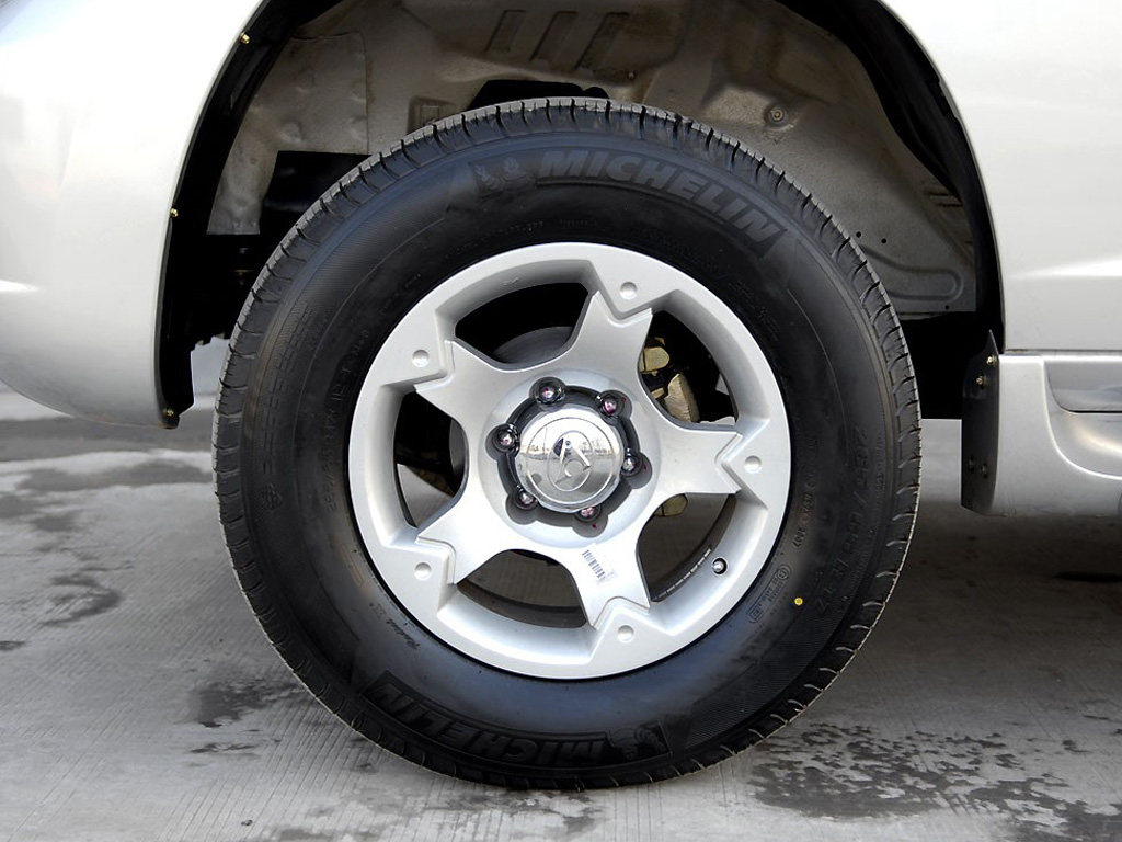 猎豹cs6猎豹cs6轮胎图片