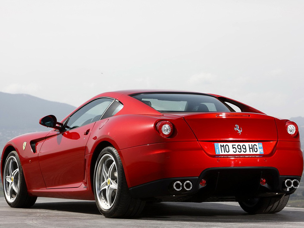 今日,法拉利发布了新599 GTB HGTE的官方图片,让我