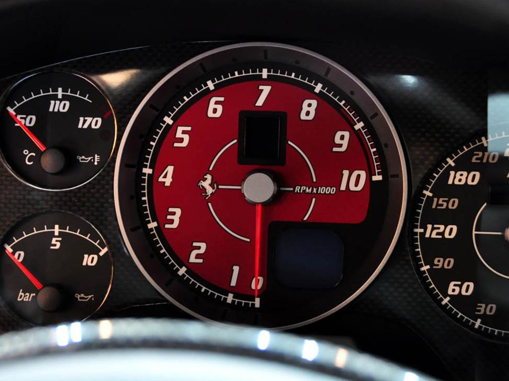 05款 coupe仪表盘信息显示屏 法拉利f430内饰图片高清图片