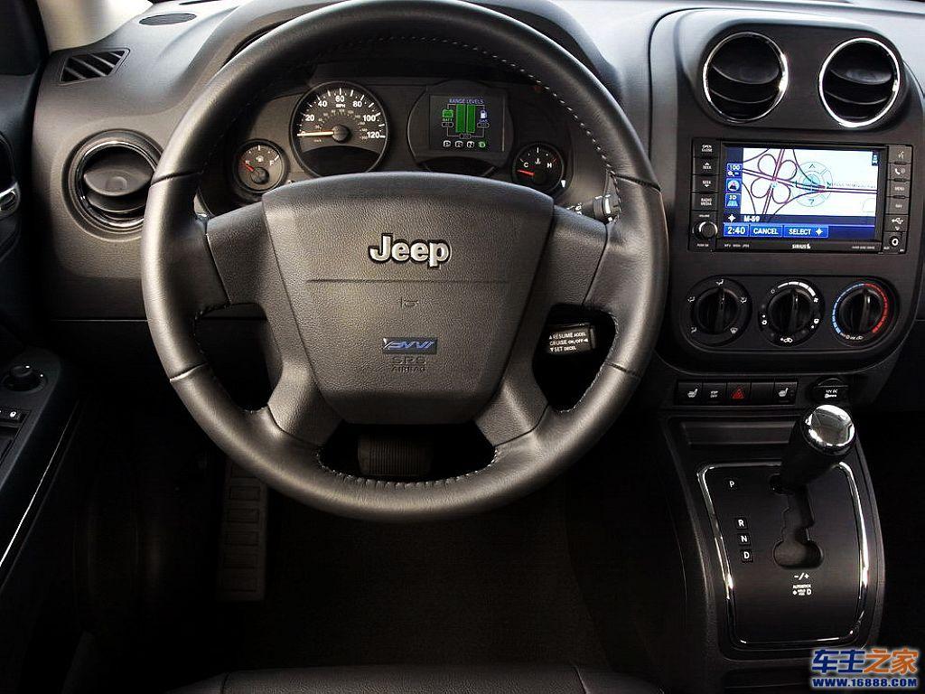 jeep自由客高清壁纸下载 jeep自由侠高清壁纸 自由战争高清壁纸
