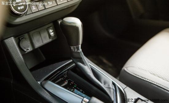 丰田/传动方面,2014款丰田卡罗拉LE ECO车型搭配CVT变速,在城市...