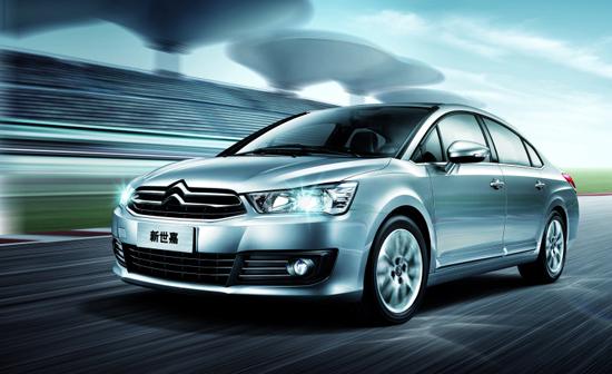 怎样才能花最少的钱买到高性价比的车是购车一族经常讨论的话题,其实只要留心,买到高性价比的车很简单,东风雪铁龙全新世嘉堪称9-10万元中级车性价比之王。  黄金E效动力动力:引领同级新标杆 全新世嘉搭载全新1.6LCVVT发动机,兼顾高性能、低油耗、低排放、低噪音等性能,动力提升10%,可爆发出86kW/6000rpm最大功率和150Nm/4000rpm最大扭矩,表现出众。此外,出色的发动机减震设计,使震动降低噪音20%,让驾乘更舒适。尤为值得一提的是,这款发动机还广泛应用在进口DS系列车型及宝马MINI